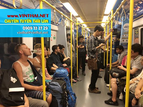 Canh tren tau Thai