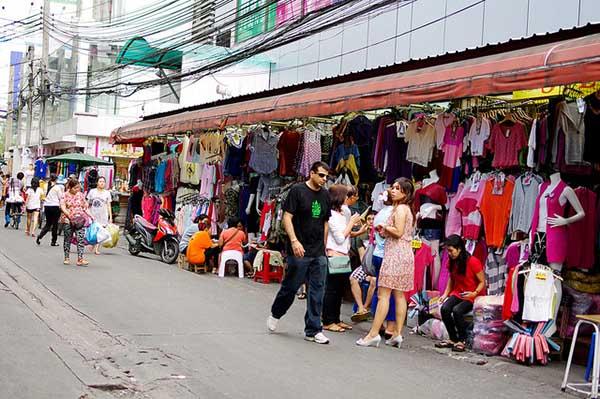 Quần áo ở chợ Pratunam