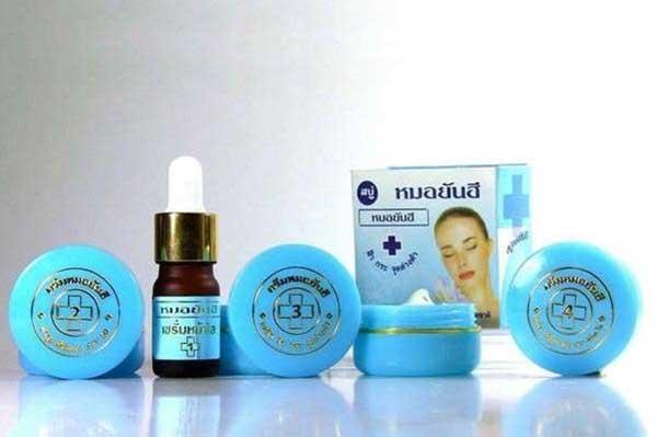 Cac sản phẩm của kem trị mụn Thái Lan