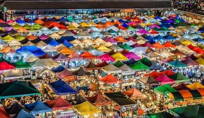 Chợ đêm Chatuchak – trung tâm mua sắm nổi tiếng tại xứ sở Chùa Vàng