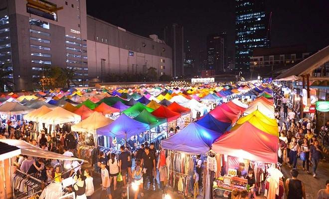 """Chợ đêm Pratunam – địa điểm """"ruột"""" của các nhà buôn với kho hàng khổng lồ - giá rẻ"""